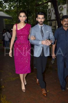 Sonam Kapoor and Fawad Khan promoted their movie 'Khoobsurat' in Mumbai .They visited the sets of the TV reality show, 'Zee Cine Star Ki Khoj'. Sonam and Fawad interacted with the contestants, and also shook a leg with them.