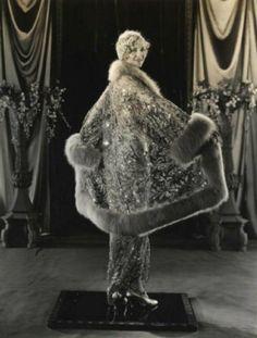 Esther Ralston, 1927