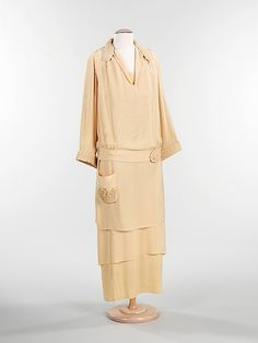 I would love to wear this ensemble from 1918  featured at the Metropolitan Museum of Art