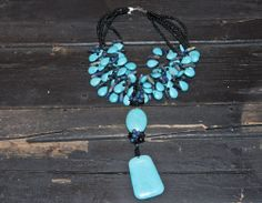 Turquoise Necklace with Assorted Stone SIzes | ave310.com #turquoisejewlery #africanjewlery #chicnecklace