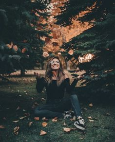 Imagine fall, girl, and photography Autumn Photography, Tumblr Photography, Creative Photography, Portrait Photography, Instagram Photos Photography, Halloween Photography, Texas Photography, Photography Gear, London Photography