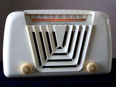 Radio Record Player, Record Players, Television Tv, Antique Radio, Fun To Be One, Tvs, Bauhaus, Vintage Kitchen, Soda