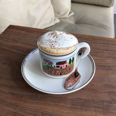 Find images and videos about coffee, cafe and latte on We Heart It - the app to get lost in what you love. Coffee Cafe, Coffee Drinks, Coffee Shop, Aesthetic Coffee, Aesthetic Food, Aesthetic Grunge, Latte, But First Coffee, Cafe Food