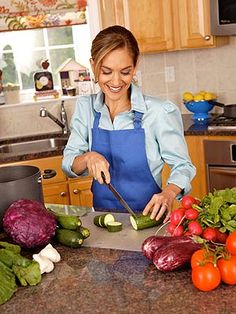 Everyday Health:8 Ways to Battle the Bulge  Slimming down doesn't have to mean a huge diet overhaul — it can be as easy as swapping out certain foods and picking healthier snacks.  Start with these tips from nutrition expert Joy Bauer.