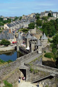 Fougeres Bretagne, France, a marvelous town with a beautiful castle and medieval fortifications Places Around The World, Oh The Places You'll Go, Travel Around The World, Places To Travel, Places To Visit, Around The Worlds, Travel Things, Travel Stuff, Wonderful Places