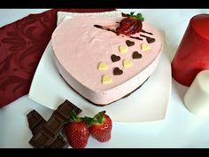 Deliciosa receta de Mouse de fresa con base de brownie en forma de corazón de Disfrutando de la Cocina