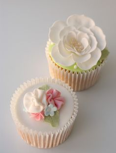 Cupcake with flowers