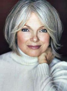 new short hairstyles for mature women