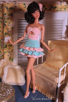 Furniture/pillows by Amber in MN Bashette Crochet Doll Dress, Crochet Barbie Clothes, Doll Clothes Barbie, Barbie Top, Barbie Dolls Diy, Barbie Dress, Knit Fashion, Fashion Dolls, Manequin