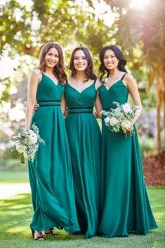 We are so ready for the next bridal season with the latest 2020 collection of trendy chic Sorella Vita bridesmaid dresses! Maid Of Honour Dresses, Maid Of Honor, Cheap Wedding Dress, Wedding Dresses, Bride Dresses, Burgundy Bridesmaid Dresses, Bridesmaids, Essense Of Australia, Perfect Prom Dress