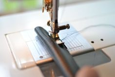 Making Faux-Leather Bag Handles — SewCanShe Purse Patterns, Sewing Patterns Free, Free Sewing, Diy Bag Handles, Leather Handle, Leather Bag, Sewing Leather, Sewing Basics, Handmade Bags