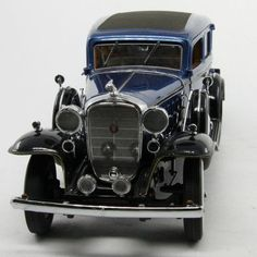 MBI Danbury Mint 1:24 Diecast Car Limited Edition 1932 Cadillac V-16 Fleetwood Sedan - Diecast Model Cars