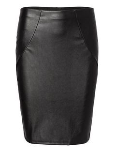 Leather-look pencil skirt from VERO MODA. Wear it with a loose cropped top. #veromoda #skirt #fashion #style