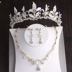 Wedding Accessories For Bride, Wedding Jewelry Sets, Jewelry For Brides, Gold Tiara, Bridal Tiara, Pretty Little Liars, African Beads, 3 Piece, Arabic Makeup
