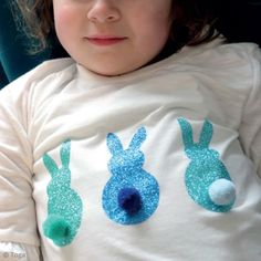 DIY : customiser un tee-shirt lapin et pompon