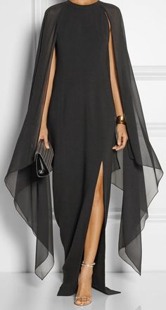 Herbstmode 2017 Trends von Boca do Lobo - evening dresses - Mode Outfits, Beautiful Gowns, Gorgeous Dress, Beautiful Lines, Elegant Dresses, Dress To Impress, Evening Gowns, Cheap Evening Dresses, Ideias Fashion