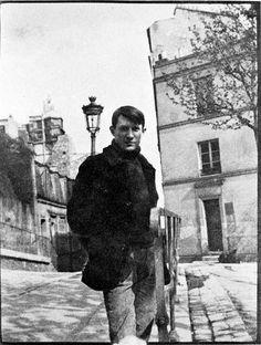 Pablo Picasso at Monmartre, place de Ravignan, age 23, 1904