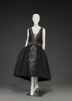 Evening dress (robe de style), 1926-7, Jeanne Lanvin. Indianapolis Museum of Art.