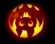 15 Easy And Amazing Pumpkin Carving Ideas You Can Do Yourself - Kürbis Scary Pumpkin Carving, Scary Halloween Pumpkins, Amazing Pumpkin Carving, Halloween Ideas, Cute Pumkin Carving Ideas, Halloween Pumpkin Stencils, Carving Pumpkins, Pumpkin Ideas, Cool Pumpkin Stencils