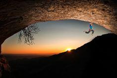 Hanging around. #redbull #climbing  © Alberto Lessmann