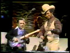 Roy Nichols playing with Merle Haggard (Vintage) - YouTube