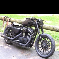 Harley Davidson Iron 883 Custom! Love this look, goin for smth similar, but all black