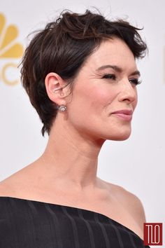 Lena Headey Photos - Actress Lena Headey attends the Annual Primetime Emmy Awards held at Nokia Theatre L. Live on August 2014 in Los Angeles, California. - Arrivals at the Annual Primetime Emmy Awards — Part 2 Long Pixie, Lena Headey, Holiday Hairstyles, Pixie Hairstyles, Pixie Cut Color, Short Hair Cuts, Short Hair Styles, Pixie Cuts, Grown Out Pixie