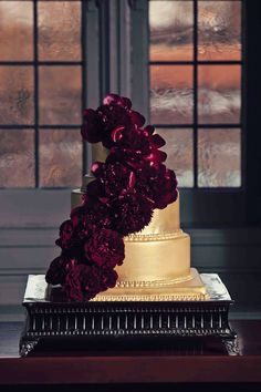 Dramatic & Luxurious Wedding Inspiration: amazing gold and burgundy cake by Flour Girl