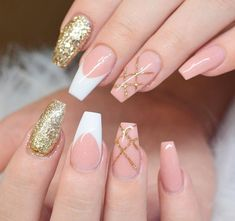 Gold Nail Design Ideas nude-and-gold-nails-ideas-coffin-glitter-french-tips Nail Art Gold Nail Art, Gold Glitter Nails, Rose Gold Nails, Nude Nails, Stiletto Nails, Acrylic Nails, Matte Nails, Gold Nail Designs, Winter Nail Designs
