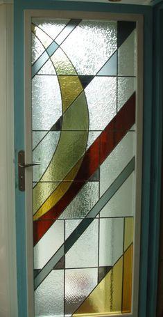 Vitrail abstrait motif contemporain porte intérieure : Vitraux d'Art Vanessa Dazelle Stained Glass Designs, Stained Glass Panels, Leaded Glass, Stained Glass Art, Window Hanging, Window Art, Window Panels, Lamp Design, Door Design