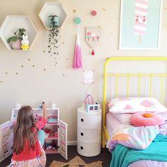 kids room//pretty colors..