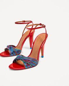 21 zapatos para ir de boda: invitada perfecta de la cabeza a los pies