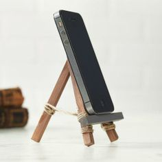 Father's Day: Easel Cell Holder