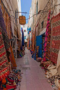 Essaouira - La vieille ville - The old town - Maroc, Morocco. Small market street