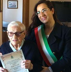 Il terremoto non piega Nonna Rosa. Festeggiata per i suoi 106 anni