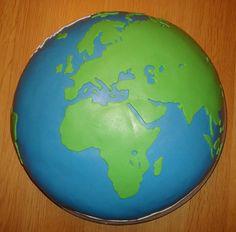 Aarde taart voor Esmeralda geslaagd voor het lio (leraren in opleiding) aadrijkskunde