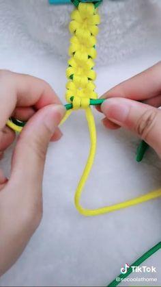 Diy Crafts To Do, Diy Crafts Hacks, Diy Crafts Jewelry, Bracelet Crafts, Cute Crafts, Diys, Arts And Crafts, Diy Bracelets Patterns, Diy Friendship Bracelets Patterns