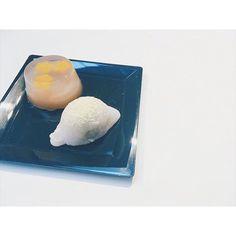 いつもとは違うお教室へ四季の表現はやはり日本文化の特権ねと思うどの季節もそれぞれで待ち遠しい気持ちになれる - #まる和菓子 #wagashi #japaneseculture #japanesesweets #和菓子 #安田由佳子 #和菓子ももとせ #japanesepastries #winter #handmade #yokan #うぐいす餅 #蠟梅 #透明和菓子