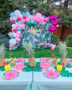 Flamingo Pineapple Tropical Flamingo Party Luau Theme Party, Hawaiian Party Decorations, Party Fiesta, Birthday Party Decorations, Happy Birthday Decor, 18th Birthday Party, Pink Flamingo Party, Flamingo Birthday, Deco Ballon