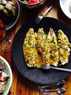 Ingrédients: 4 filets de maquereaux avec la peau Ì Pour la marinade : 3 càs d'huile d'olive Le jus d'1 citron 1 gousse d'ail hachée Quelques brins de coriandre fraîche ciselées 1 càc de curcuma 1 c...