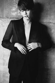 popular Black and White myedits bw Korean fashion kfashion magazine W korean actor smokers korean model W KOREA bw kpop lee jong suk lee jongsuk jongsuk well made star m wellmade starm December 2013