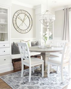 #Friyay!! Who wants to have breakfast at Jaclyn's this morning?! We're in love with this light filled stunner from @jaclynmari_ #followfriday #onetofollow We know what you're thinking, how can I re-design my dining space to have a banquette and steal this look?!...cause we sure want to! Can't wait to see you next #BrightWhiteWednesday! Happy Memorial Day!