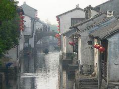 Zhouzhuang lantern by Teafor2, via Flickr