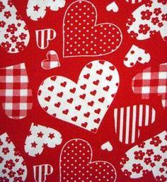 patchwork harten rood wit, leuk iets van te maken bijv. voor valentijn o.i.d. De stof is 100% katoen (dus ook geschikt voor dekbedovertrekken) 1.40 breed en 5,95 per meter.