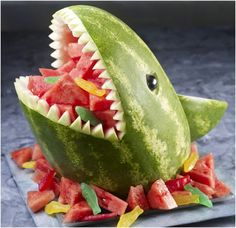 How to Cut a Watermelon in 20 seconds