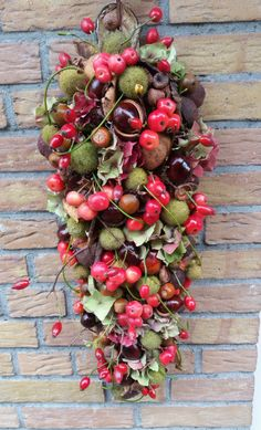 Festoen-Paul B - Lilly is Love Holiday Crafts, Holiday Decor, Fall Table, Holidays And Events, Floral Arrangements, Fall Decor, Christmas Wreaths, Floral Design, Halloween