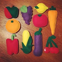 Felt fruit & vegetable bunting.Kitchen wall decor | Pantry | Utility room | Wall decor | Garland | Farmer's market | Fun New Home gift | Art by JBLovecraft on Etsy https://www.etsy.com/uk/listing/119853923/felt-fruit-vegetable-buntingkitchen-wall