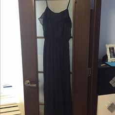 Black Forever 21 jumpsuit Black forever 21 jumpsuit in size medium. Looks great on. Very flattering. Forever 21 Other
