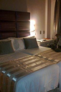 Habitación Señorío de Nevada, nos gustó mucho. La decoración, el cabecero es muy original, y la distribución de la habitación