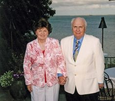 Naples Residents Richard and Jane Lublin to be Awarded the University of Connecticut's Neag Medal of